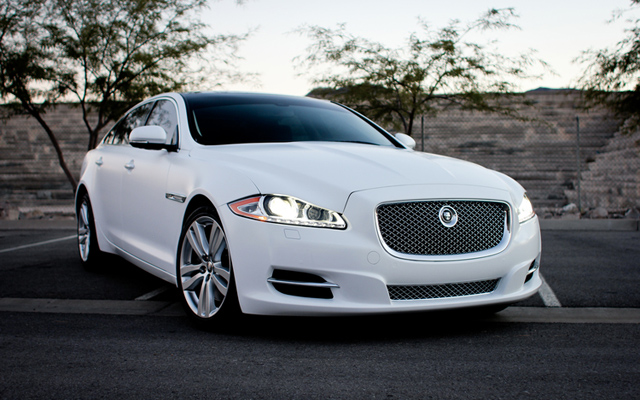 Jaguar Xj L White Color Luxury Wedding Car Hire Available Luxury Cars For Hire In Punjab